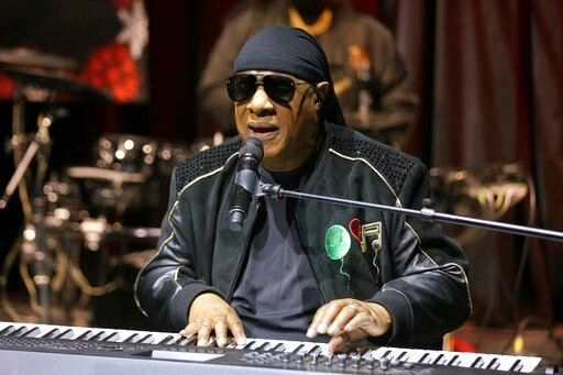 """(Photo by Willy Sanjuan/Invision/AP, File). FILE - In this Tuesday, Nov. 27, 2018 file photo, Stevie Wonder performs live at the """"House Full of Toys 22nd Annual Benefit Concert"""" press conference in Los Angeles. Wonder says he will be receiving a kidney..."""