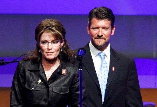 (AP Photo/Manuel Balce Ceneta, File). In this June 8, 2009, file photo, Republican Alaska Gov. Sarah Palin and her husband Todd Palin arrive at a Republican congressional fundraiser in Washington.  Court documents appear to show that the husband of for...