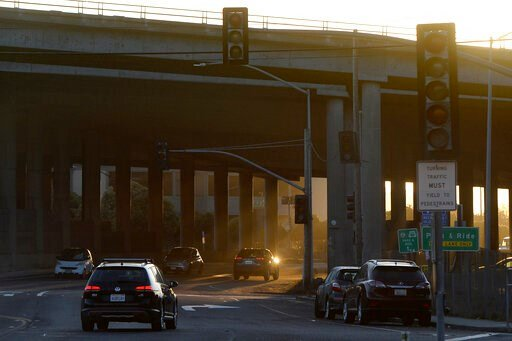 (Alan Dep/Marin Independent Journal via AP). Traffic signal lights are out due to PG&E's public safety power shutoff on Shoreline Highway at Highway 101 in Mill Valley, Calif., Wednesday, Oct. 9, 2019. Pacific Gas & Electric has cut power to mo...
