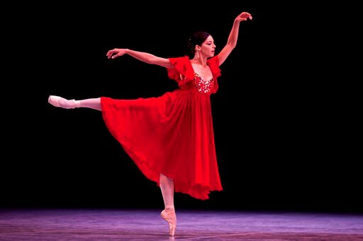 (AP Photo/Ramon Espinosa, File). FILE - In this Oct. 28, 2012 file photo, Cuba dancer Viengsay Valdes performs during the inauguration of the 23rd International Ballet Festival, at the National Theater, in Havana, Cuba. Valdes, the new head of Cuba's l...