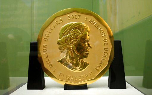 (Marcel Mettelsiefen/dpa via AP, file). FILE -- In this Dec. 8, 2010 photo a 100-kilogram (221-pound) Canadian gold coin is displayed at the Bode Museum in Berlin, Germany. German prosecutors are seeking lengthy prison terms for four men accused of sta...
